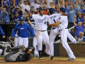 White Sox and Royals Play AL Central Contest in Kansas City Tonight